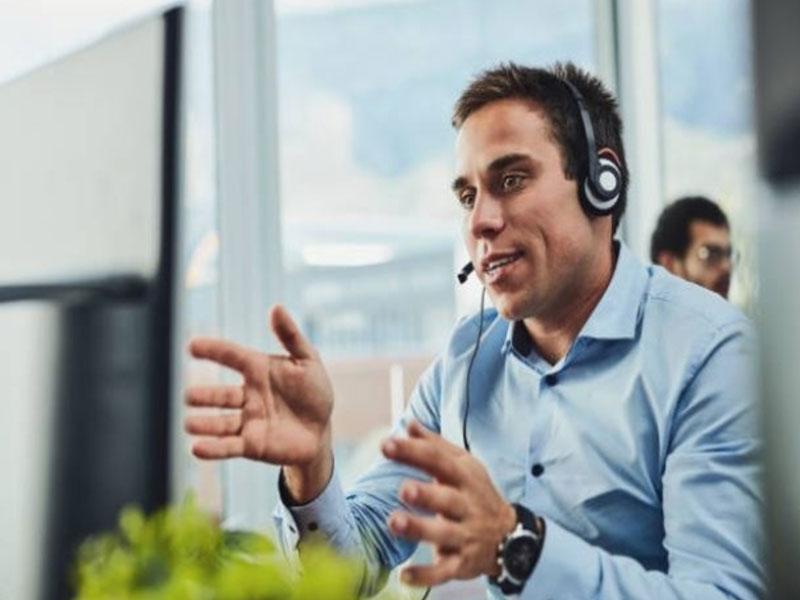 Des années 60 à aujourd'hui, les call centers se sont transformés et sont désormais accessibles à tous