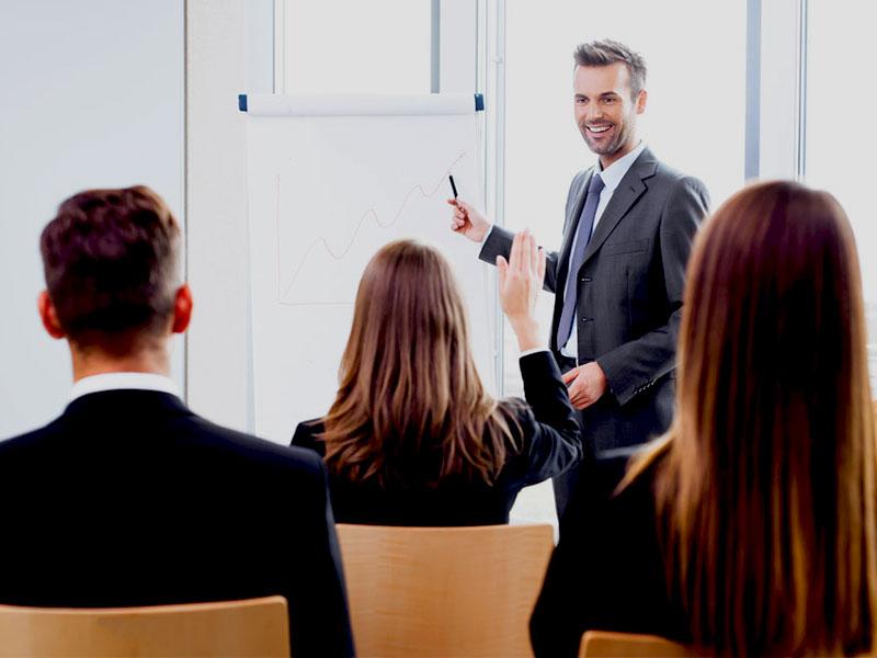 Le métier de formateur n'est certes pas aux fronts de la relation client. Cependant, le chargé de formation assure un rôle clé au sein des centres d'appels.