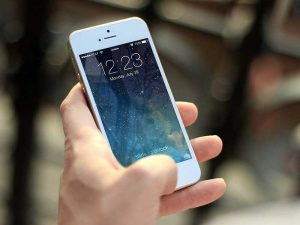 Comme le monde entier utilise à présent les Smartphones, le développement d'une application mobile est devenu incontournable. Surtout si vous voulez améliorer votre relation client.