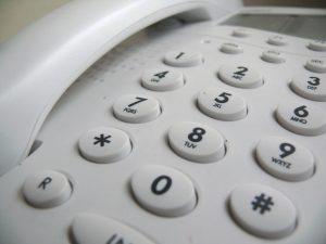 Nos centres d'appels proposent de prendre en charge la communication multicanale, en particulier pour les interactions provenant de la téléphonie mobile.