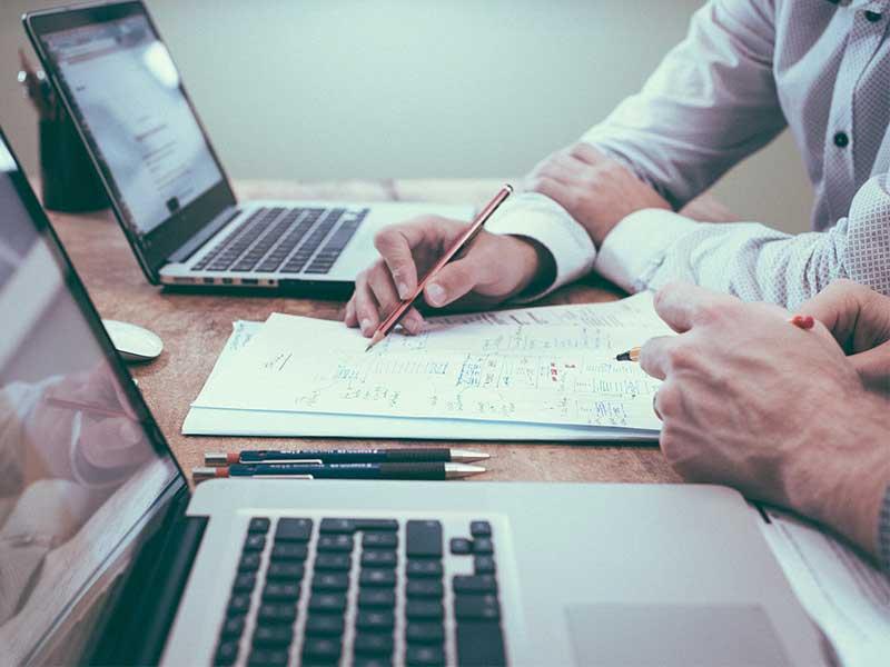 Voyons comment faire face efficacement à l'exigence des consommateurs face à la digitalisation du commerce. Il en va de la réputation d'une entreprise et de la satisfaction du client.