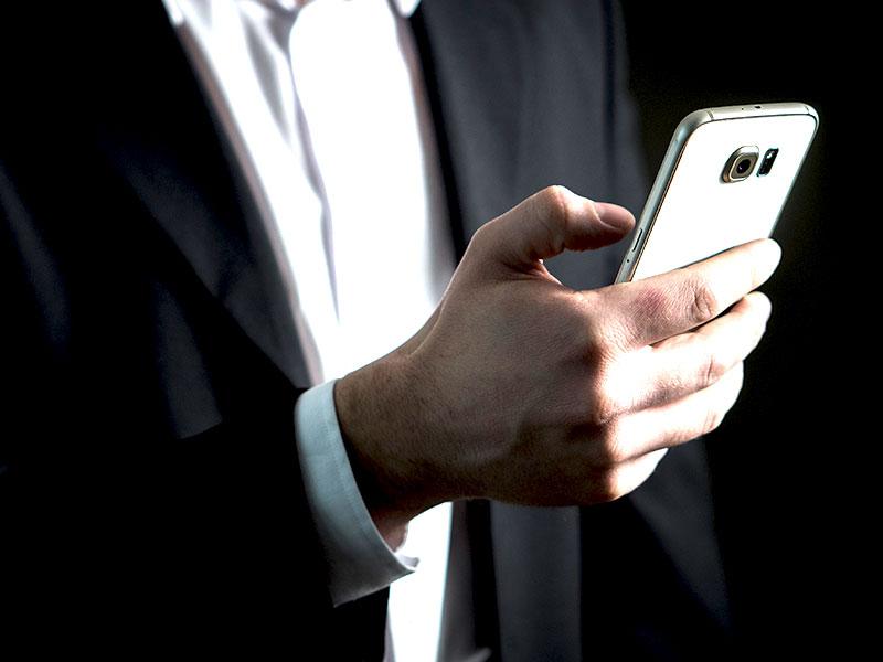 Le téléphone maintient depuis des lustres sa première place en ce qui concerne l'interaction de proximité et personnalisé avec les clients.